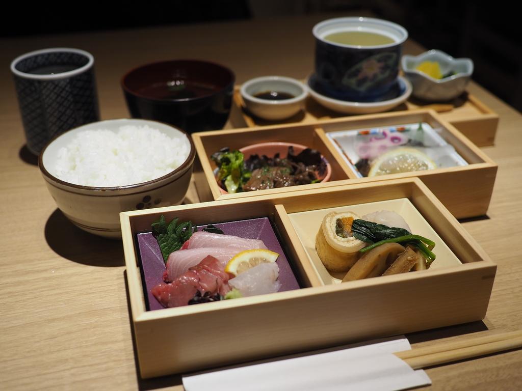 丁寧な味付けの本格和食の2段重ランチは美味しくて満足感がとても高いです! 北浜 「今橋 よし田 本店」