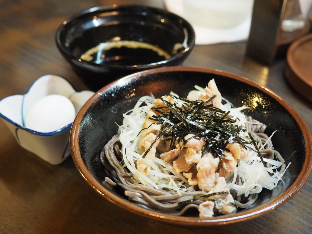 立ち飲み屋さんが業態変更で朝7時から座ってお蕎麦が食べられるお店になりました! 新梅田食道街 「うめや」
