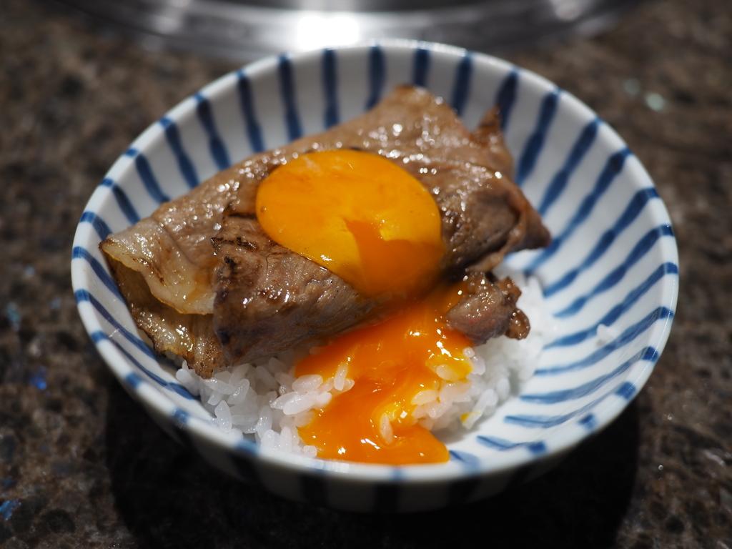 京都のお肉の老舗のあまりにも満足感が高すぎるカウンター席限定のおまかせコース! 京都市中京区 「京やきにく 弘 先斗町別邸」