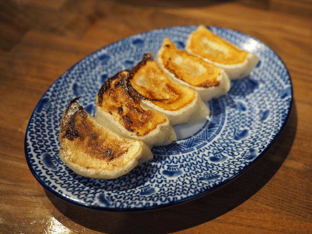 餃子と唐揚げと本格的な味わいのラーメンが絶品の居酒屋がオープンします! 天満橋 「餃子と唐揚げ ゆうじが行く。」