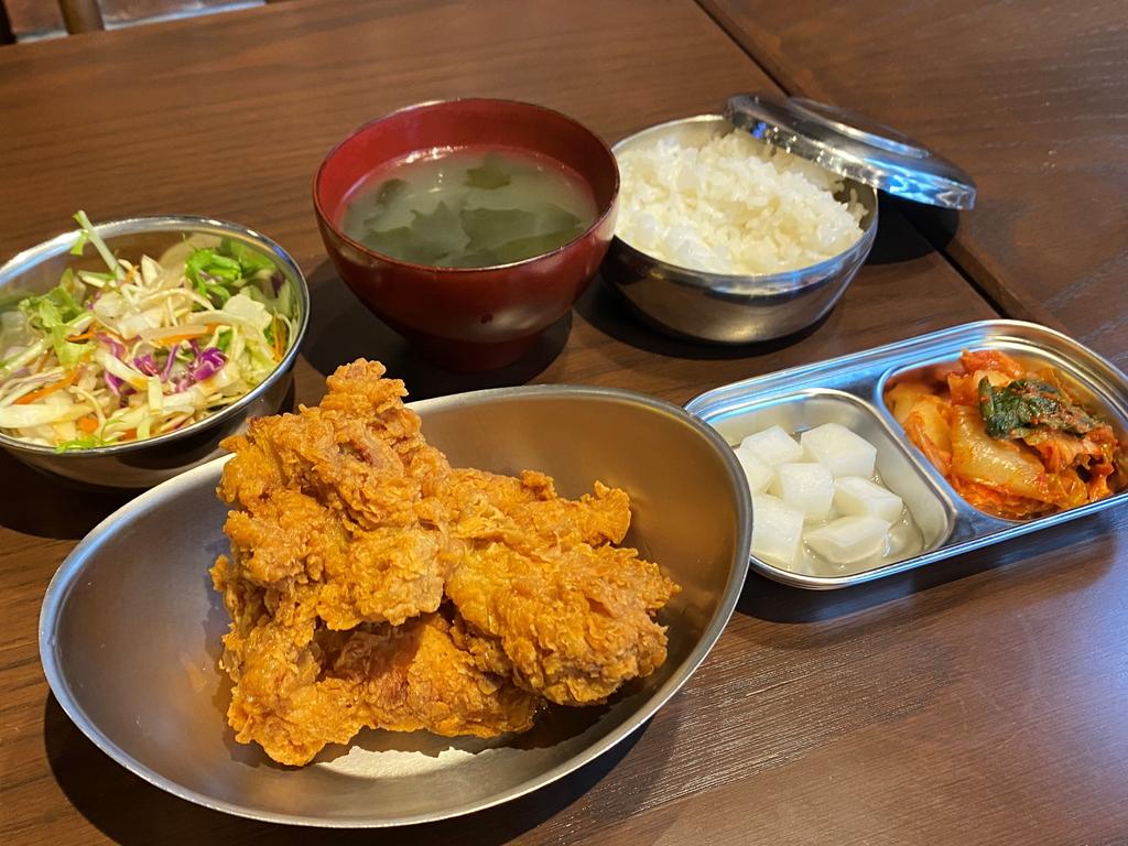 韓国式フライドチキンとビールのお店のお得なランチセット! 北浜 「CHI‐MEK(チメク)」