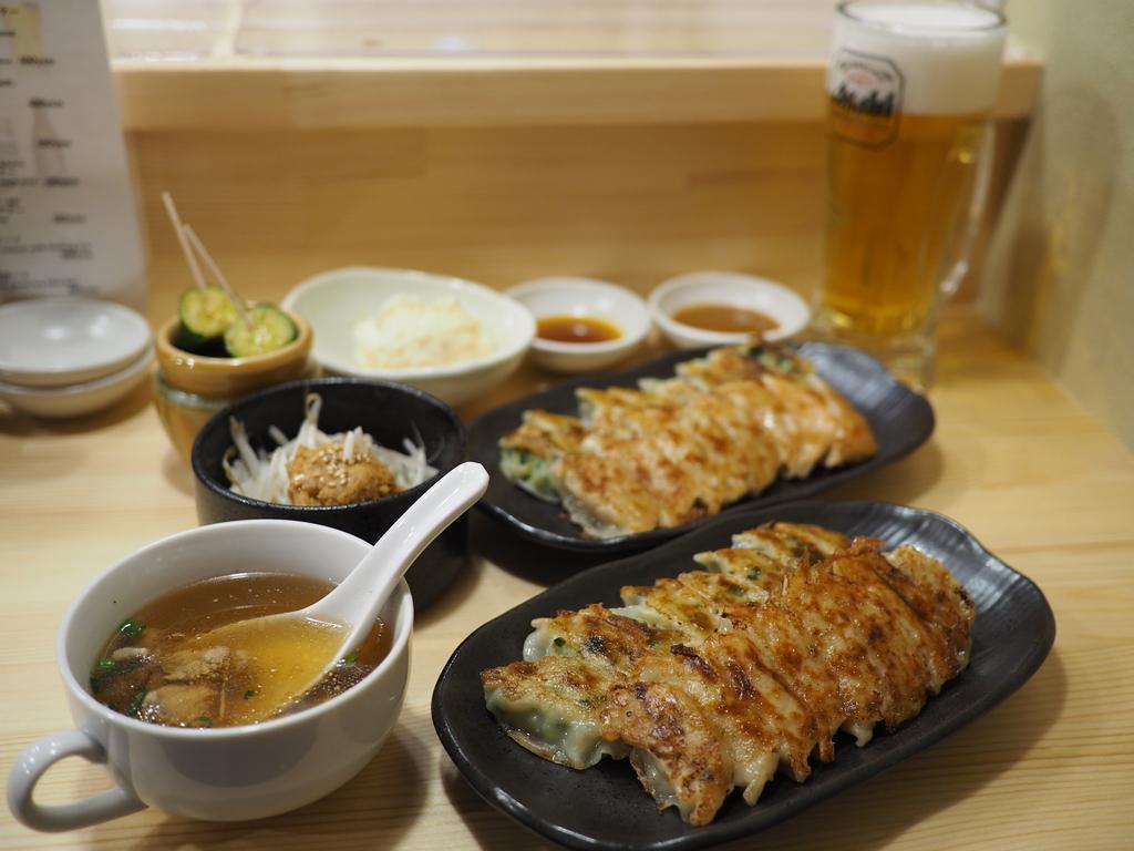 名店の餃子が大阪でも食べられるようになりました! 宗右衛門町 「餃子 歩兵」
