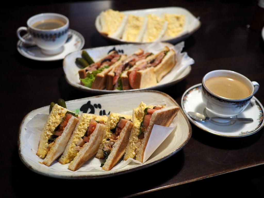 コーヒーもサンドイッチもとても美味しい雨でも大繁盛している居心地抜群のカフェ! 吹田市 「ガルル珈琲」