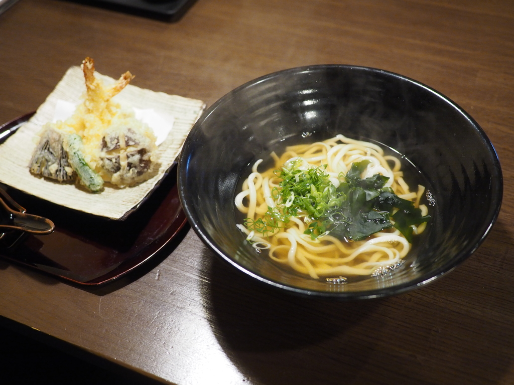 湯葉と豆腐が名物の居酒屋の平日お昼限定で非常にレベルの高い手打ちうどんランチがいただけます! 守口市 「縁が和」
