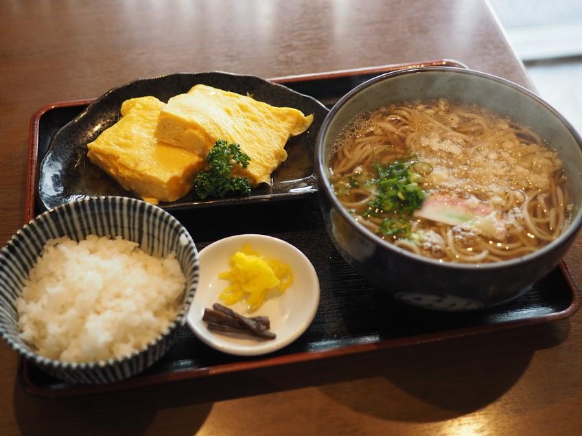 梅田のど真ん中にある創業100年以上の老舗お蕎麦屋さんの絶品出汁巻き定食! 梅田 「みす美」