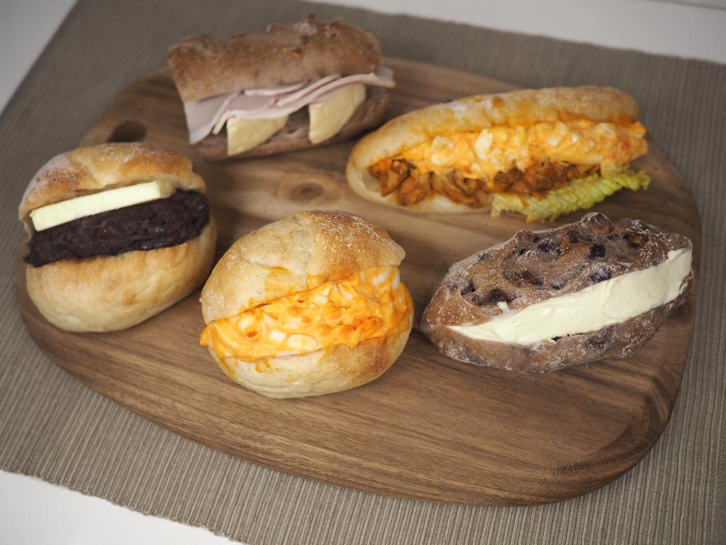 種類が豊富で何を食べても美味しい大行列ができる大人気のパン屋さん! 福島区 「THE MILL」