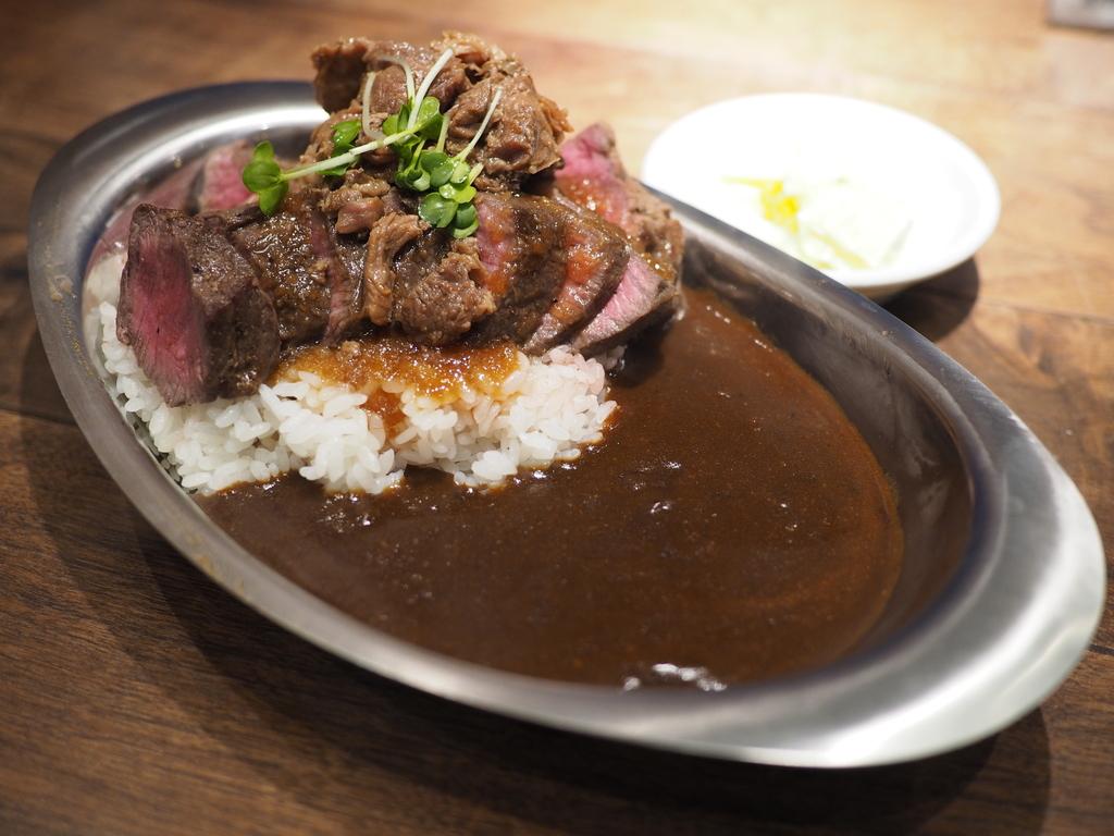 ステーキ屋さんと金沢カレーのコラボカレーのお店が関西で11店舗一斉オープンしました! 北新地 「ステーキ五郎咖哩 大阪梅田」