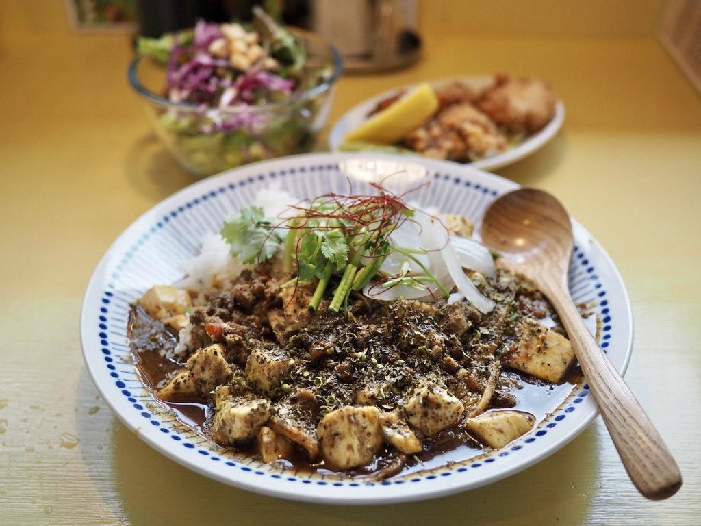 本格的な四川麻婆豆腐と超本格スパイスカレーが一体となった感動的に美味しいスパイス麻婆カレー! 大東市 「南修軒」