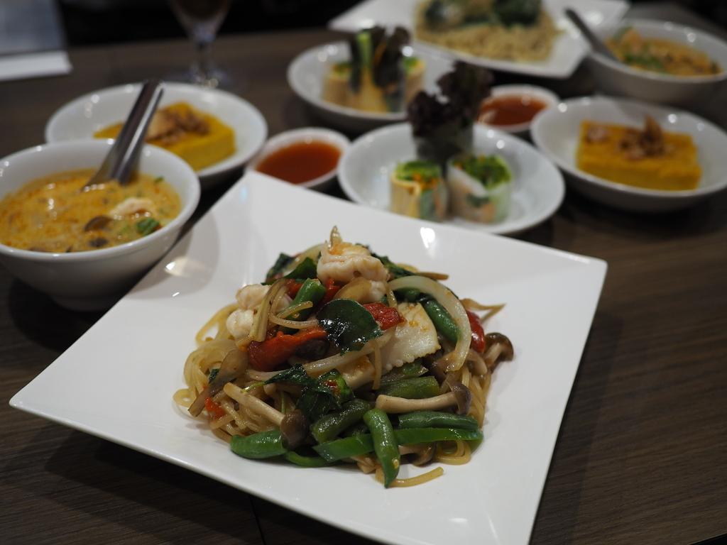とても珍しいオリジナリティあふれるタイ料理のパスタが期間限定でいただけます! 梅田 「クンテープ ルクア大阪店」