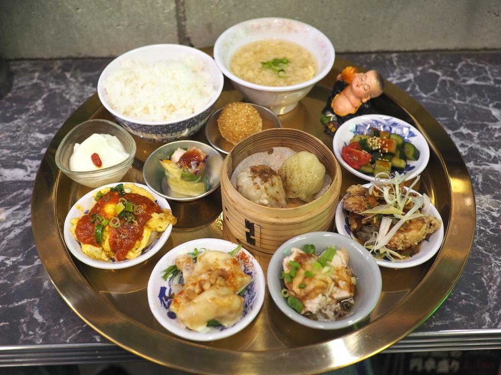本格台湾料理が全12品も楽しめる豪華で満足感が高すぎる贅沢御膳ランチ! 梅田 「台北餃子 張記 茶屋町店」