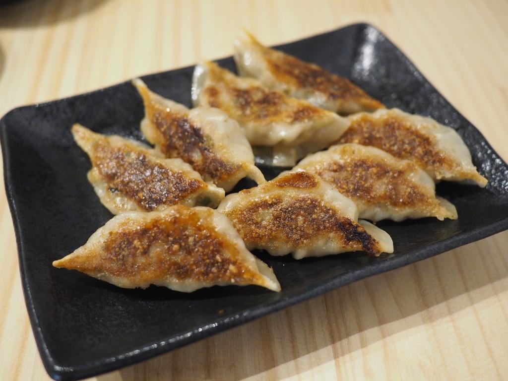 餃子好きの店主さんが長年研究に研究を重ねて遂に完成した絶品餃子のお店がオープンしました! 福島区 「ペガサス餃子」