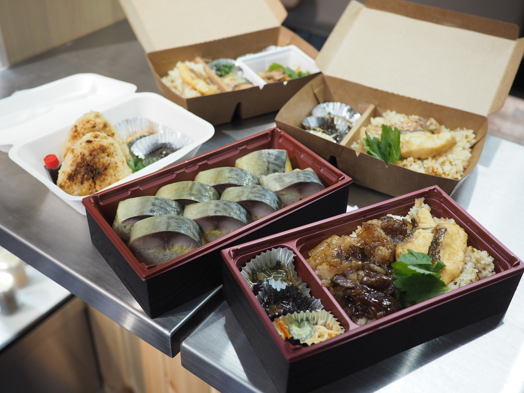 とても美味しい鯛めしの弁当、鯖寿司、お惣菜、甘酒ドリンクのテイクアウト専門店! 天神橋4丁目 「天神橋 鯛めしや」