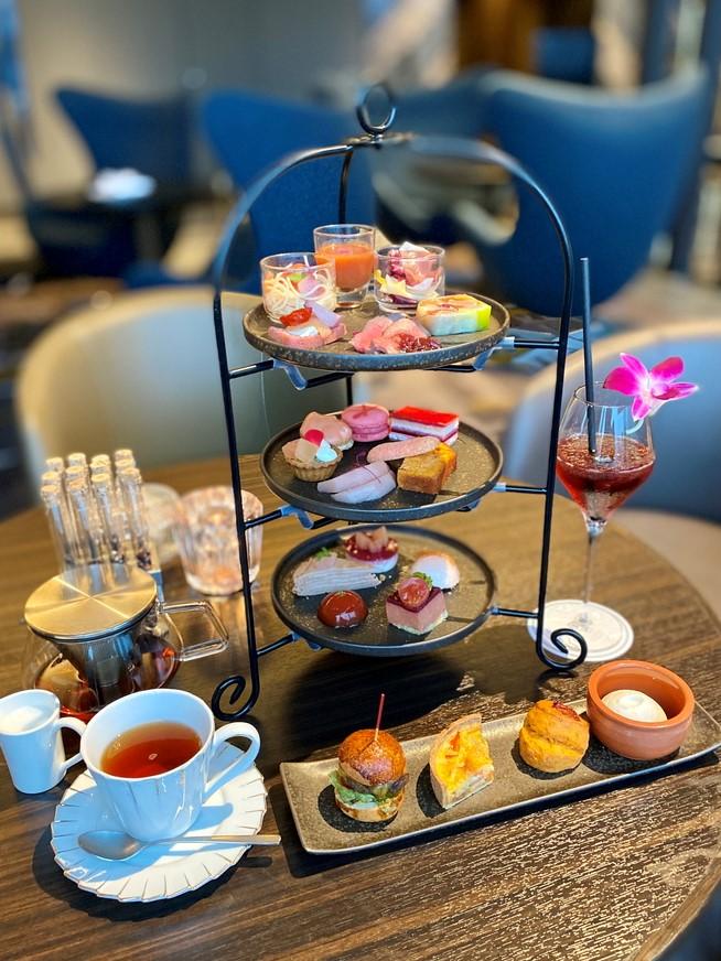ホテルのラグジュアリーカフェの桃とトマトをテーマにしたアフタヌーンティーセットは美味しくて満足感が高すぎます! 淀屋橋 「Bar&Lounge THE BAR」