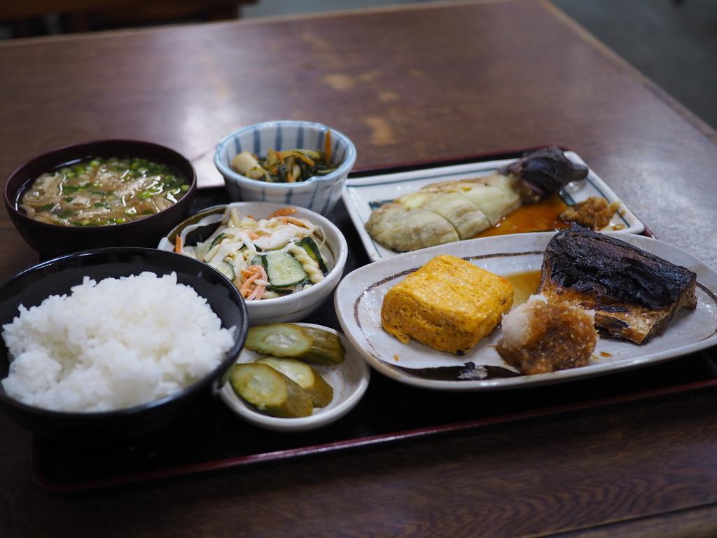 休日の昼飲みは今はできませんが・・・おかずもご飯もとても美味しくて大満足! 大正区 「米やのめしや」