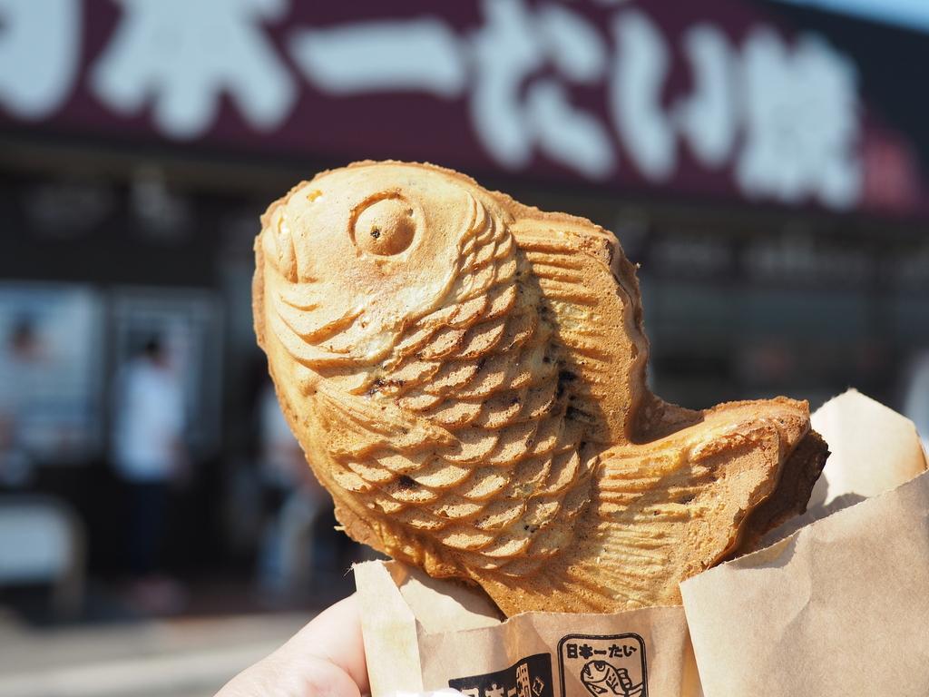 九州地方発祥のたい焼きチェーン店の焼きたて熱々たい焼きが美味しいです! 滋賀県 「日本一たい焼 滋賀竜王ドライブイン店」