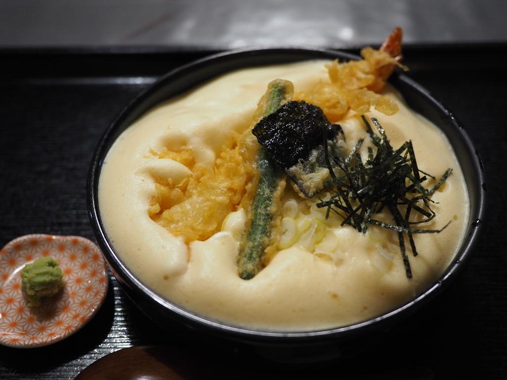泡泡のフワフワ食感と納豆の風味が絶妙の名物有喜天そば! 京都市中京区 「有喜屋 寺町店」