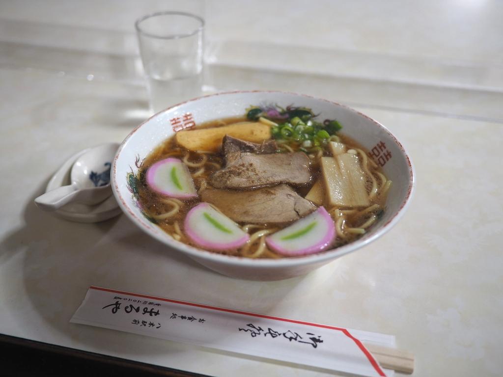 地元で人気の昭和の空気が流れる昔ながらのお食事処の中華そばのあまりの美味しさに感動! 京都府南丹市 「お食事処 まるや」